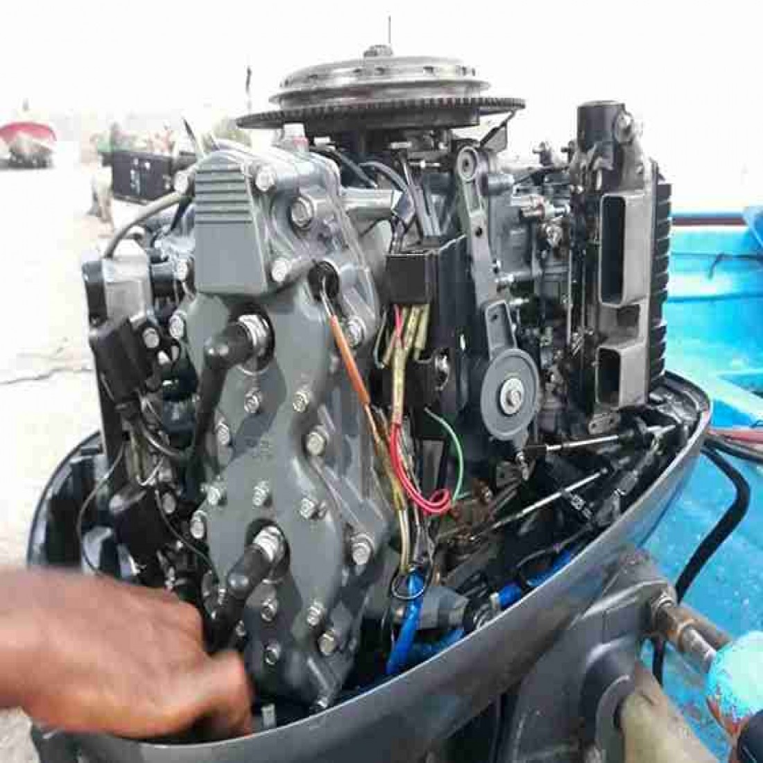 موتور قایق ۱۱۵ کاربرات