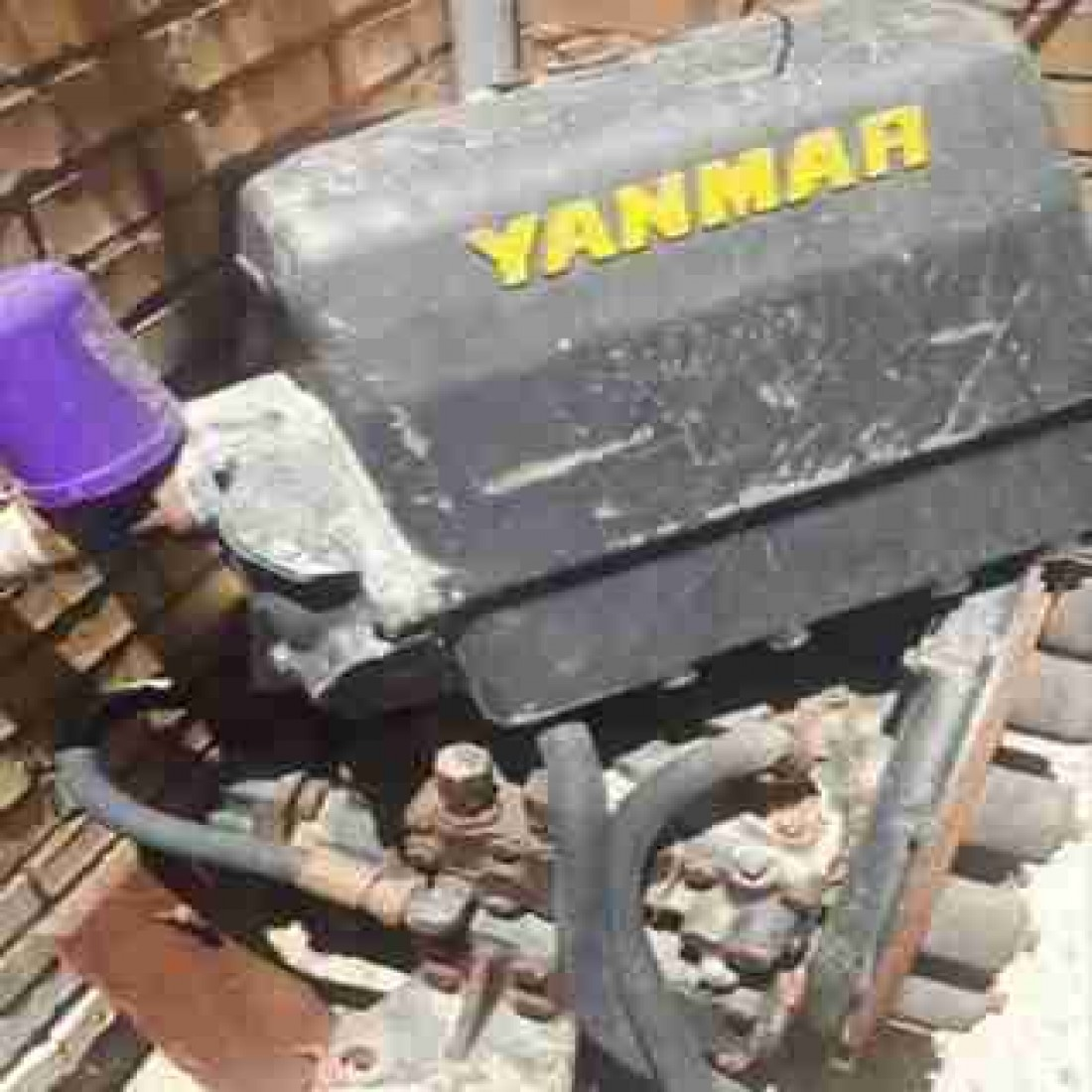 گیربکس vp150 همراه با پنکه و خنک کننده آب