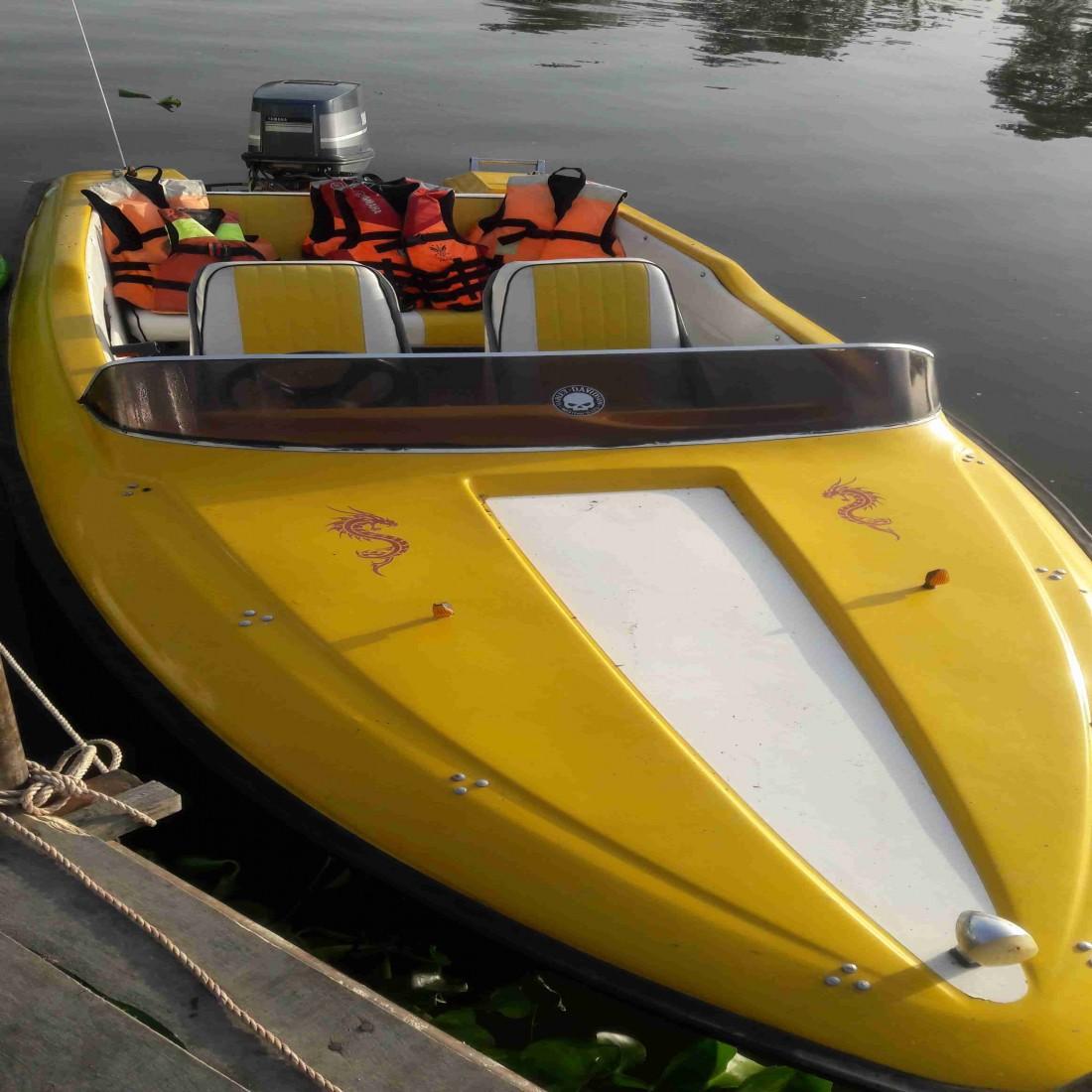 فروش قایق تفریحی باموتور ۸۵