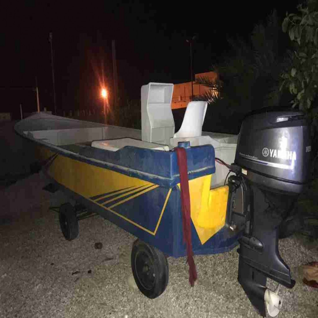 فروش قایق با تمام تجهیزات