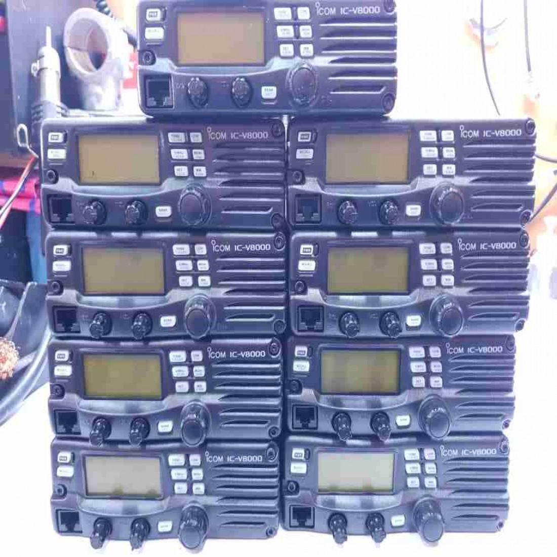 فروش بیسیم Icom v8000