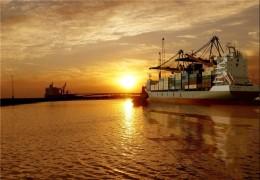 پهلودهی کشتی یا پهلوگیری کشتی چیست ؟ انواع اسکله قابل پهلو گیری